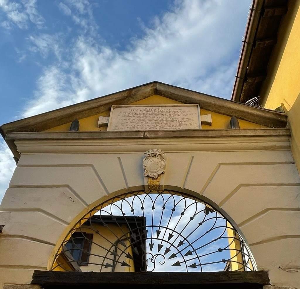 Ingresso cortile Villa Parravicini
